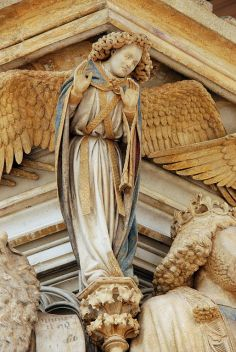 514px-Well_of_Moses,_Angel_01