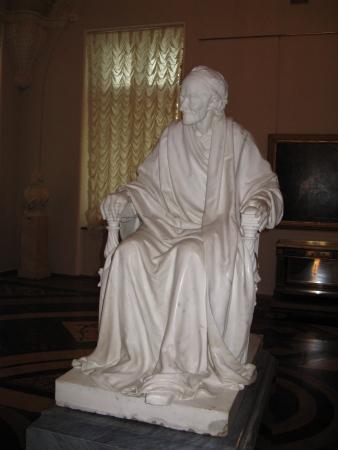 houdon-Voltaire_Seated Hermitage