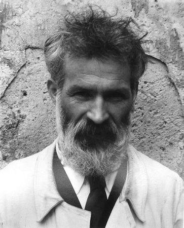 A photograph of of Constantin Brancusi by Edward Steichen.