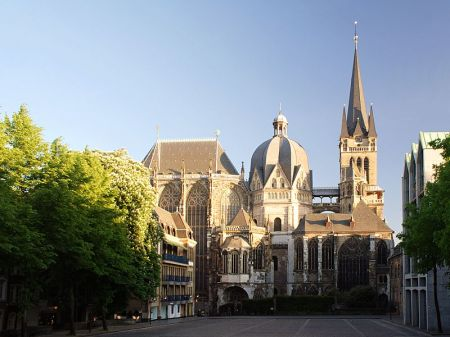 A view of Aachen Cathedral from the north.