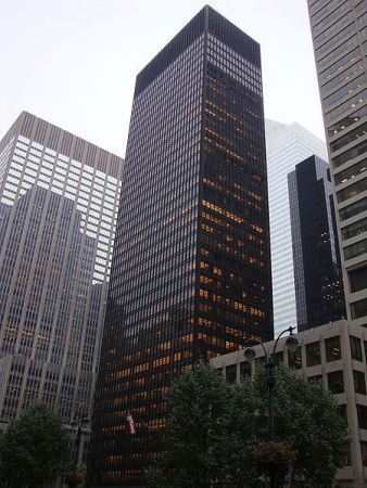 Love 'em or hate 'em, skyscrapers of today are much indebted to the Seagrams Building.