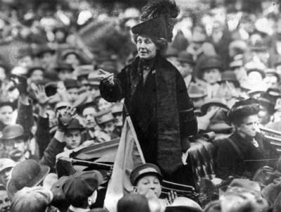 Emmeline Pankhurst speaks to a crowd in New York in 1913.
