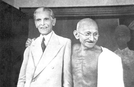 Mohandas Gandhi (right) with Ali Jinnah in 1944.