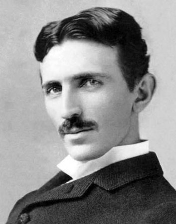An 1890 photograph of Nicolas Tesla by Napoleon Sarony.
