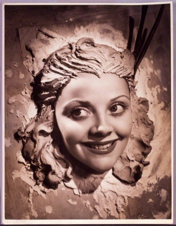 NPG P925; RenÈ Ray (Irene Lilian Brodrick (nÈe Creese), Countess of Midleton) by Angus McBean