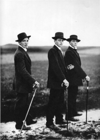 august-sanders-young-farmers-1914