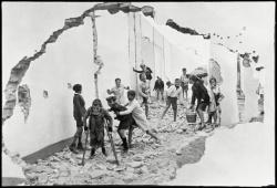 Cartier-bresson seville 1933
