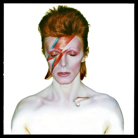 David-Bowie-Aladdin-Sane-1973-by-Brian-Duffy