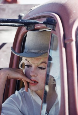 eve arnold marilyn in misfits