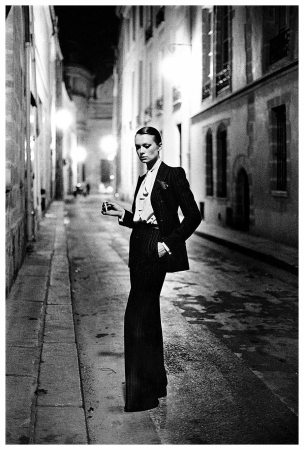 helmut_newton_le_smoking