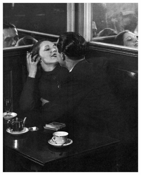 lovers in a cafe brassai