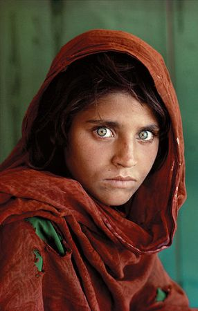 Steve McCurry photographed this Afghan girl in a Pakistani refugee camp.