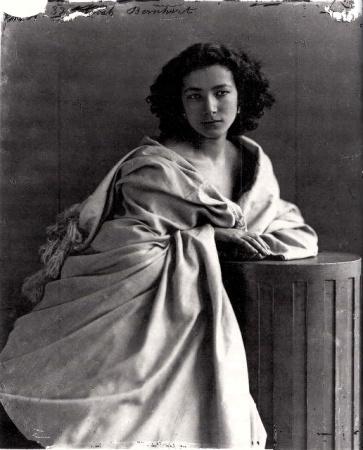 Nadar's Portrait of Sarah Bernhardt.
