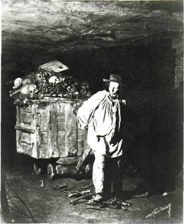 A photograph from Nadar's Catacombs of Paris.