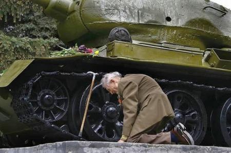 russian man with tank
