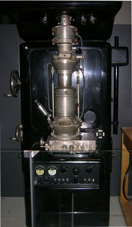 A replica of Ernst Ruska's 1933 electron microscope.