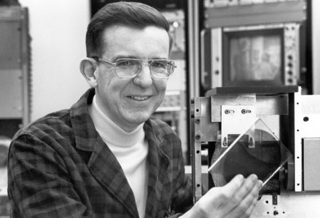 James Russell invented the first compact disc in the late 1960s.
