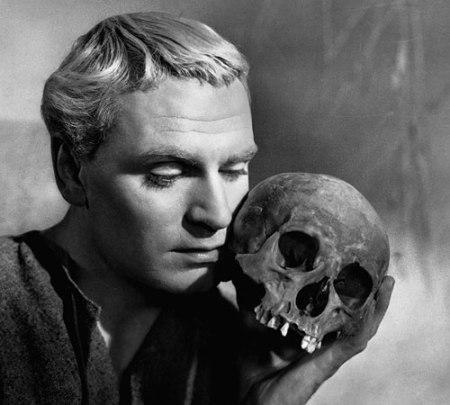 Laurence Olivier in Hamlet (1948).