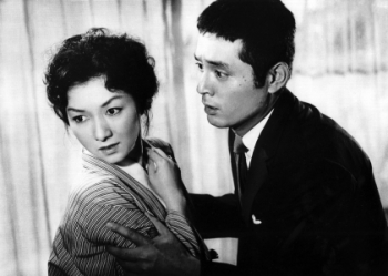 Hideko Takamine (left) and Tatsuya Nakadai in Mikio Naruse's When A Woman Ascends The Stairs (1958).