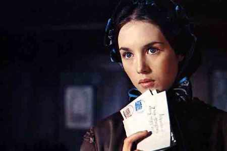 Isabelle Adjani in Camille Claudel (1988).