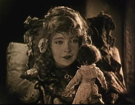 Lillian Gish in Broken Blossoms (1919).