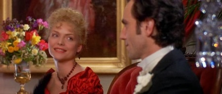 Michelle Pfeiffer and Daniel Day-Lewis in Martin Scorcese's The Age of Innocence (1990).
