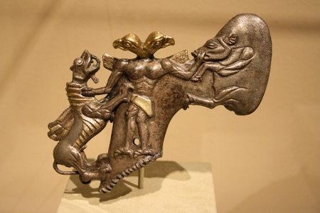 bactrian axe-head