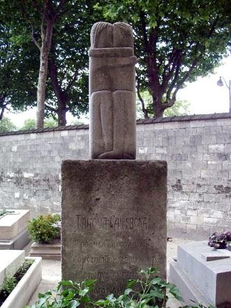 brancusi the kiss cemetery