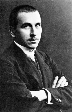 A 1910 photograph of Alfred Wegener.