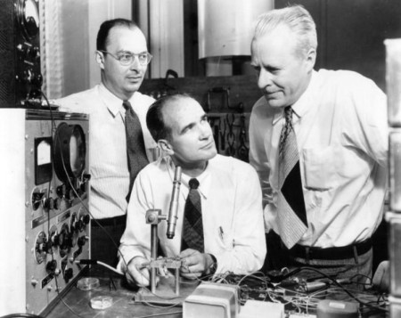From left: John Bardeen (1908-1991), William Shockley (1910-1989) and Walter Brattain (1902-1987) at Bell Labs in 1948.