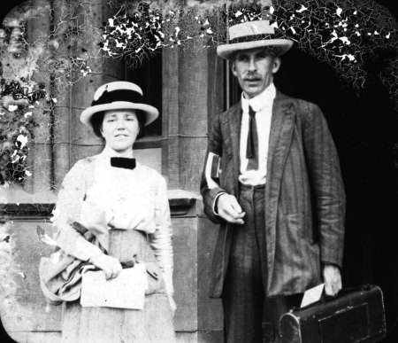 A 1913 photograph of Arthur Tansley and his wife Edith.