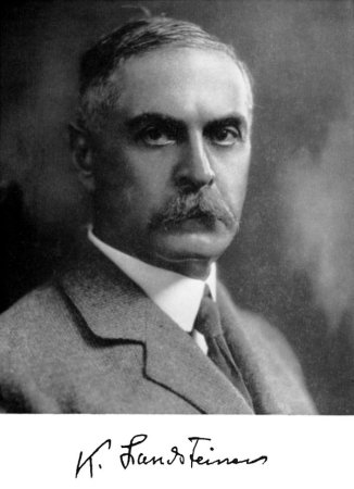 A photograph of Karl Landsteiner from the 1920s.