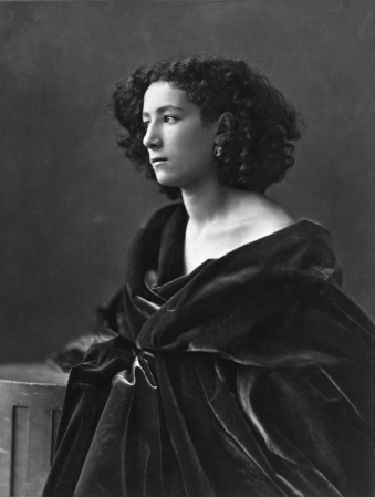 Sarah_Bernhardt,_par_Nadar,_1864
