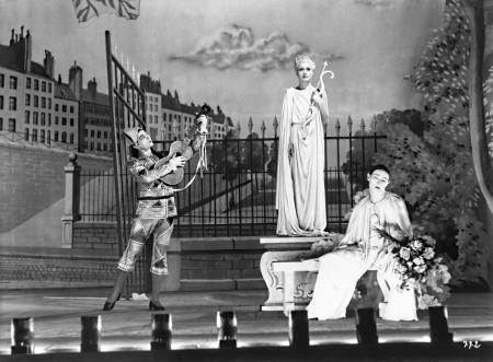 A still image from Children of Paradise.