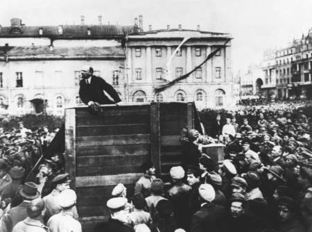 Lenin speaks to the crowd in 1917.