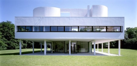 Villa Savoye, designed by Le Corbusier & Pierre Jeanneret, in Poissy, France.