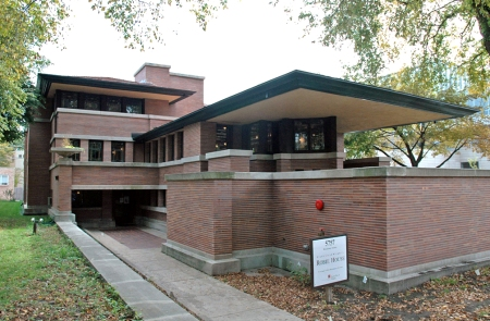 Robie House (1909). Architect: Frank Lloyd Wright. Location: Chicago, Illinois.