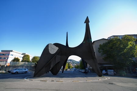 Teodelapio, a work by Alexander Calder, is located in
