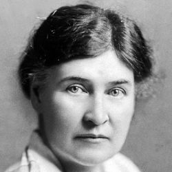 An undated photo of Willa Cather.