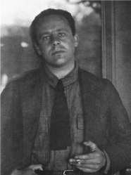 A 1919 photograph of Paul Strand by Alfred Stieglitz.