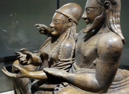 sarcophagus of the spouses detail